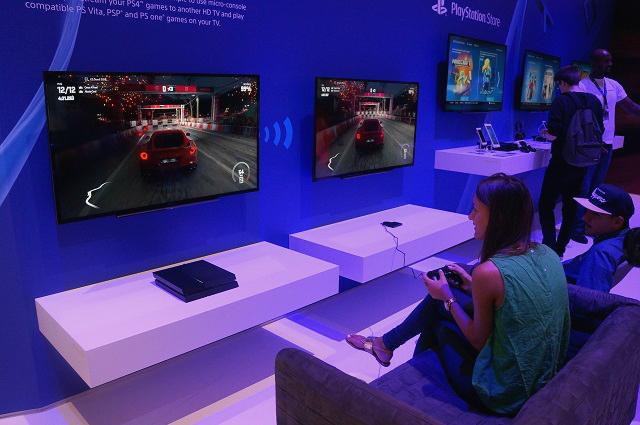 Самый быстрый самолет: павильон Sony на IFA 2014 своими глазами