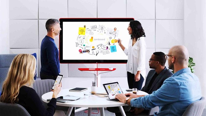 Представлен огромный 55-дюймовый 4K планшет Google Jamboard