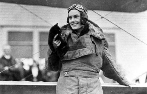 Google выпустил Doodle вчесть 107-летия легендарной летчицы