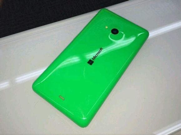 Живые фото смартфона Lumia 535 с брендированием Microsoft-3