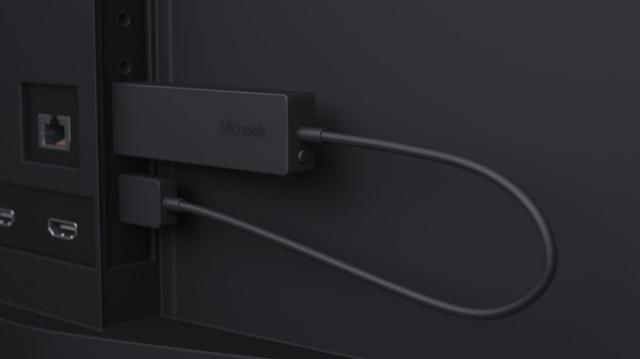 Microsoft выпустила беспроводной адаптер для дисплеев Wireless Display Adapter-2