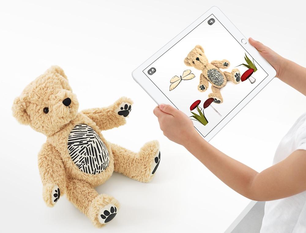 Apple реализует плюшевого мишку сдополненной реальностью