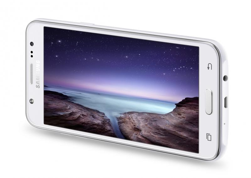 Samsung представила смартфоны Galaxy J7 и Galaxy J5 с фронтальными вспышками-4
