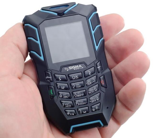 Sigma mobile X-treme AT67 Kantri: миниатюрный защищенный телефон с функцией Bluetooth-терминала