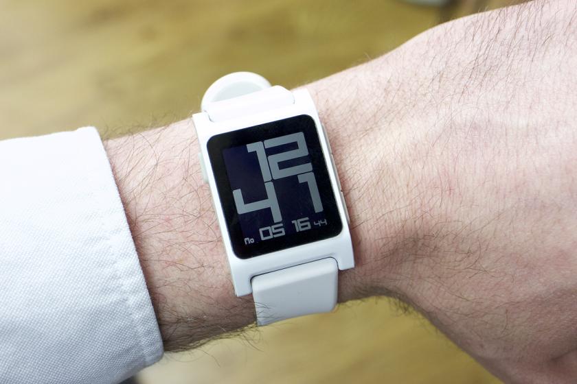 Pebble анонсировала умные часы Pebble 2 вдвух модификациях