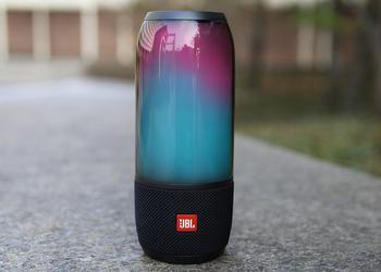 CES 2017: JBL Pulse 3 - waterproof column with a bright design