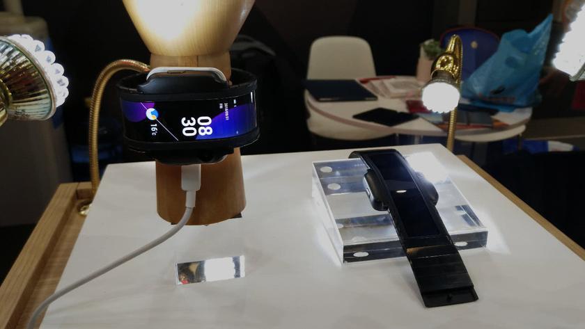 Nubia-alpha-phone-watch-future-1.jpeg