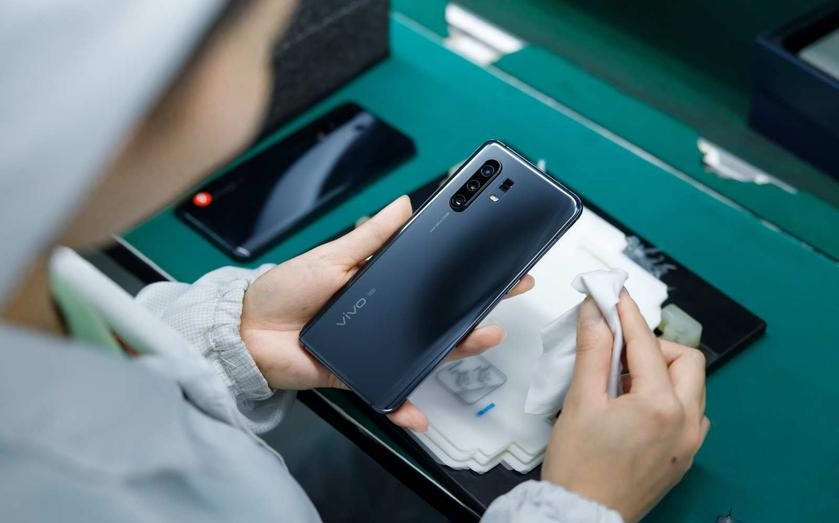 Смартфон Vivo X30 Pro с 60-кратным зумом тоже умеет снимать Луну
