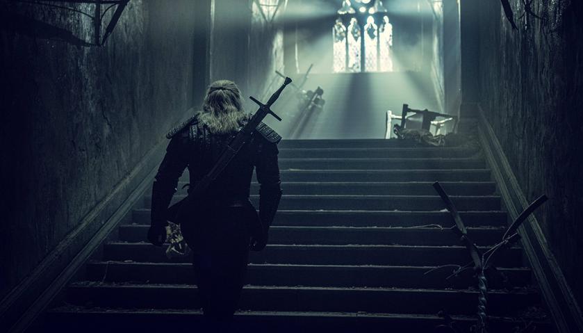 Netflix продлил сериал «Ведьмак» навторой сезон, показав новые кадры сЙеннифер иГеральтом