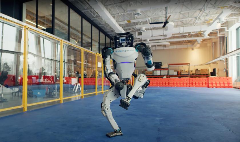 Новогоднее видео Boston Dynamics: таких танцев больших человекоподобных роботов вы ещё не видели