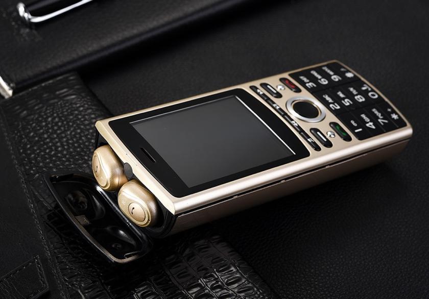 SERVO R25: кнопочный телефон с встроенной TWS-гарнитурой и аккумулятором на 6000 мА-ч за $40