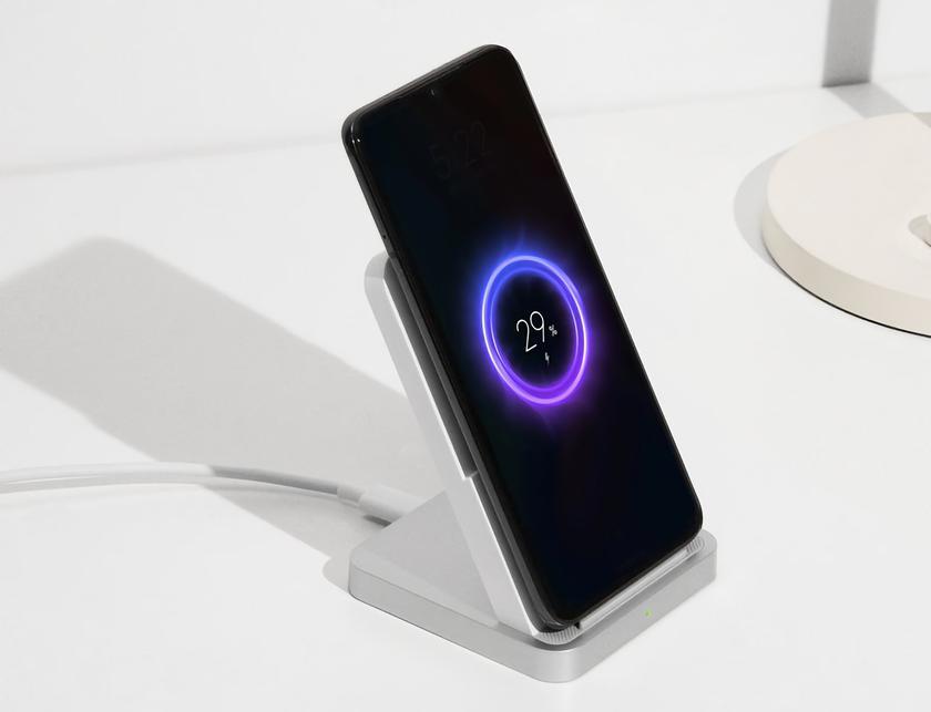 Xiaomi работает над двумя смартфонами с беспроводной зарядкой на 67 Вт
