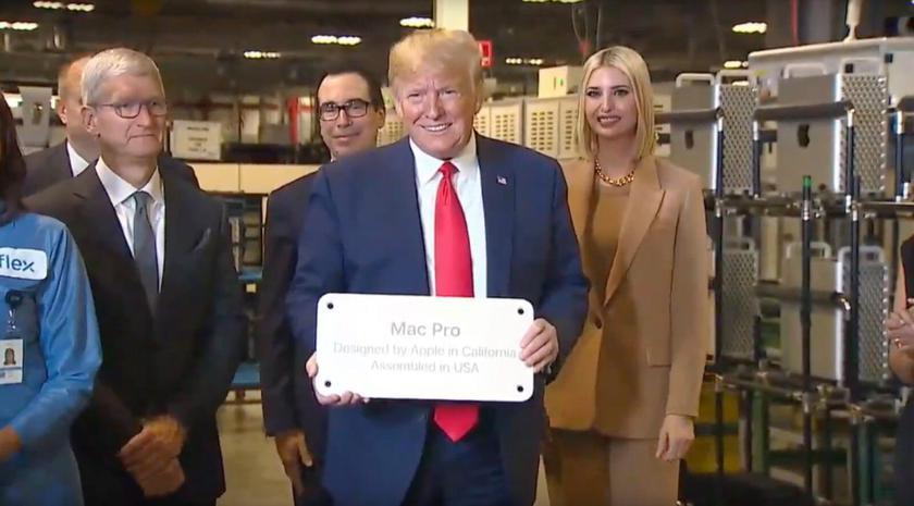 Глава Apple Тим Кук подарил Дональду Трампу первый Mac Pro