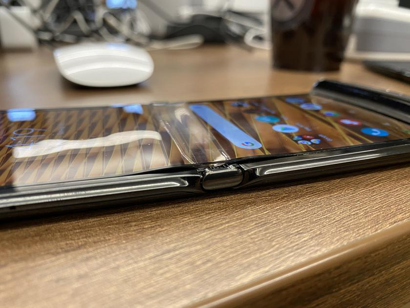 Раскладушки Samsung Galaxy Z Flip и Motorola RAZR не переживут морозы