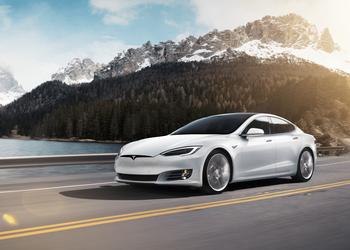 Tesla Model S стала первым в мире электрокаром с дальностью хода более 643 км по рейтингу EPA