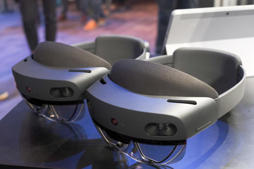 HoloLens 2 поступает в продажу