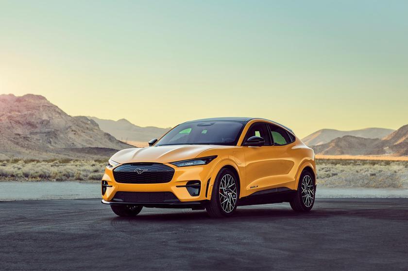 Ford Mustang Mach-E GT Performance: топовая версия электрического кроссовера с разгоном до «сотни», как у Tesla Model Y Performance