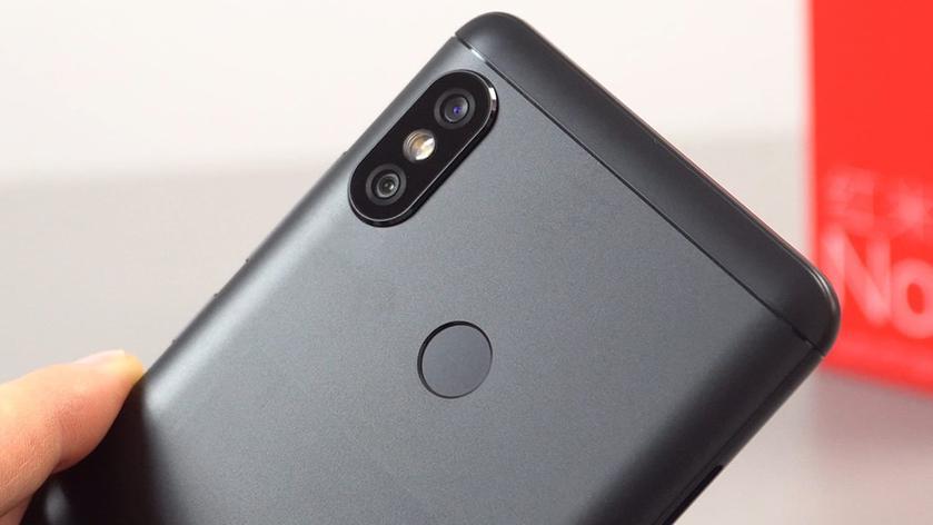 Смартфон Xiaomi Mi Max 3 появился на новых снимках с двух сторон