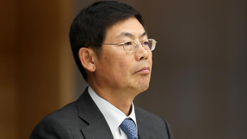 Председателя совета директоров Samsung отправили в тюрьму