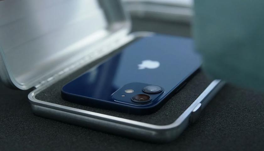Apple перестанет менять поломанные iPhone 12 и iPhone 12 mini на новые