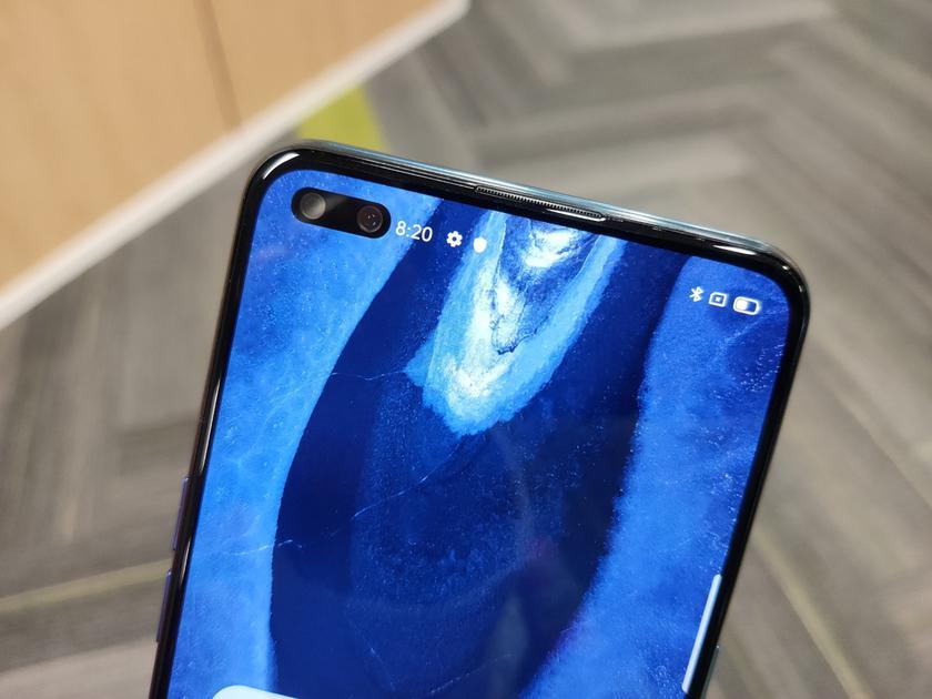 Блогер Mrwhosetheboss показал фотографию первого в мире смартфона с двойной фронтальной камерой на 44 Мп
