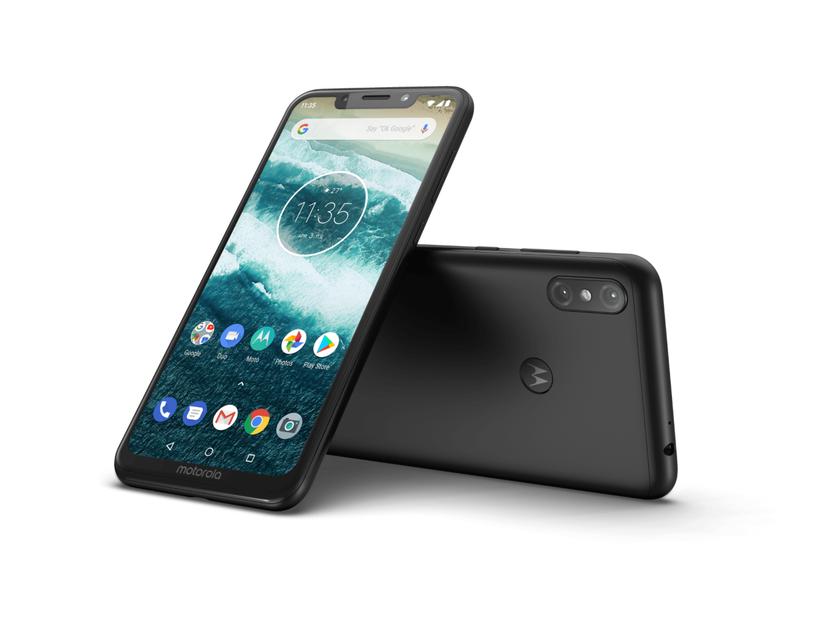 Motorola One Power начала получать обновление Android 10 c декабрьским патчем безопасности