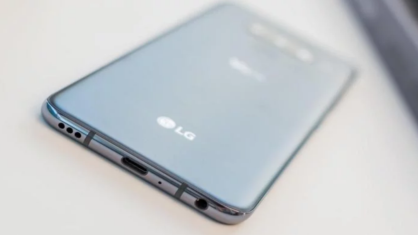 LG V60 ThinQ на официальном рендере: вырез-«капелька» и намек на дату анонса