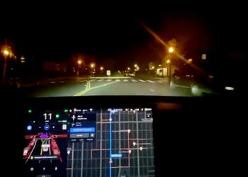 В сети появились ролики с демонстрацией бета-версии полноценного автопилота для электрокаров Tesla
