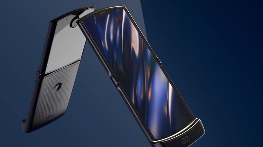 Спрос превзошел ожидания? Motorola опять перенесла сроки поставок складного смартфона RAZR