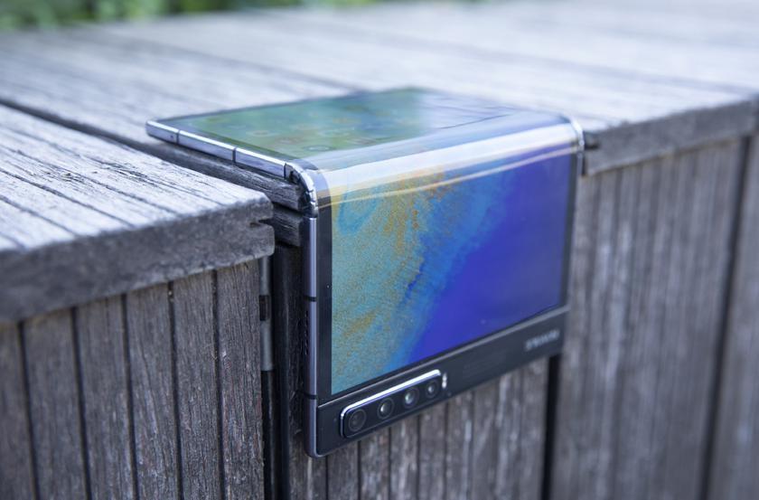 Дубль № 2: складной смартфон Royole FlexPai 2 прошел сертификацию TENAA и появился на «живых» фото