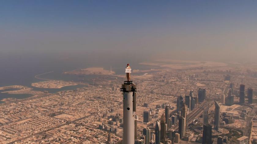 Привет, мам, я на вершине мира! — авиакомпания Emirates сняла рекламу на шпиле самого высокого здания в мире без компьютерной графики