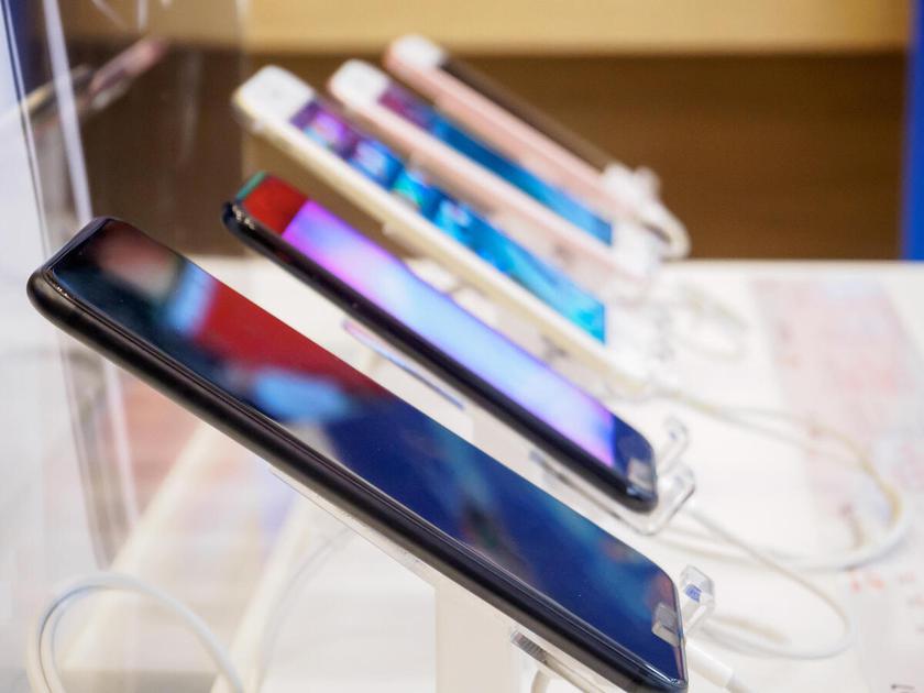 Samsung продолжает возглавлять рынок смартфонов, Xiaomi стремится на второе место, а Huawei выпала из ТОП-5