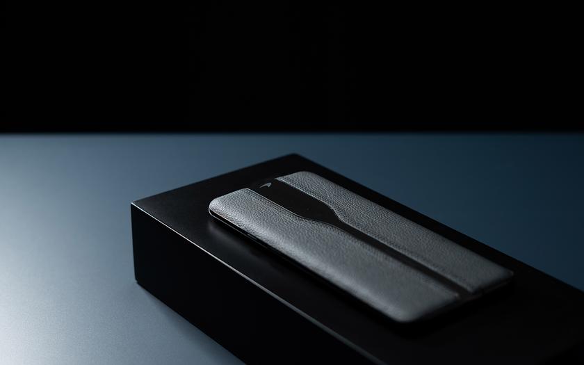 OnePlus показала черный Concept One с исчезающей камерой