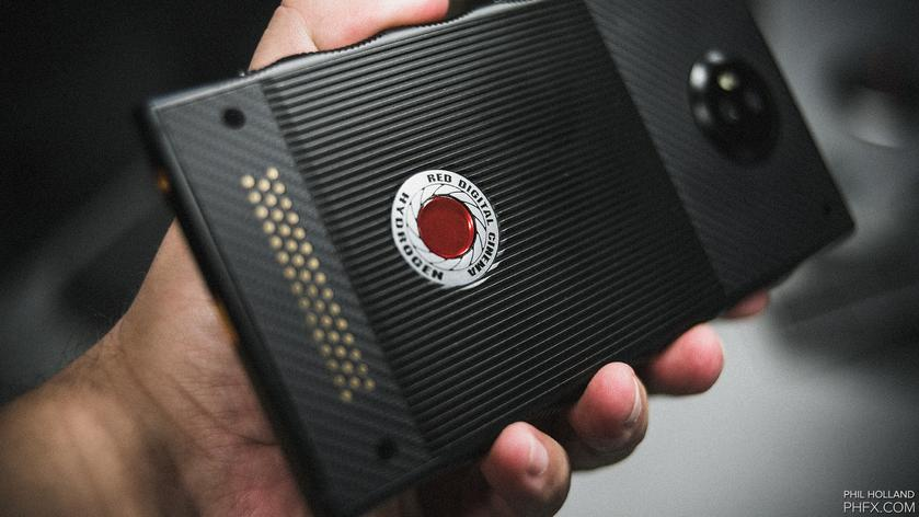 red-hydrogen-one-release-date-price-3.jpg