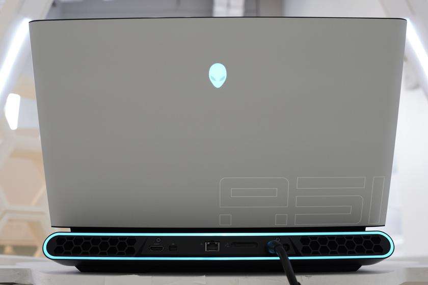 Dell-Alienware-Area-51m-ces-2019-0.jpg