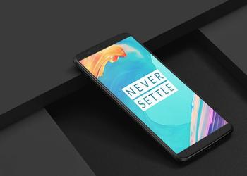 """Live"" photo of OnePlus 6: cutout on the screen and thin frames"