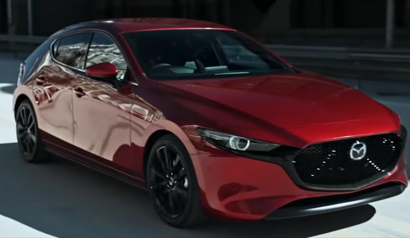 Водители Mazda 3, берегитесь: из-за ошибки вПОмашина сама тормозит без причины