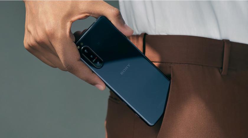 Sony Xperia 5 II: 6.1-дюймовый дисплей на 120 Гц, чип Snapdragon 865, батарея на 4000 мАч, тройная камера, стереодинамики и разъём для наушников