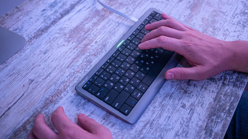 Prestigio Click&Touch: первая в мире (но это не точно) клавиатура-тачпад