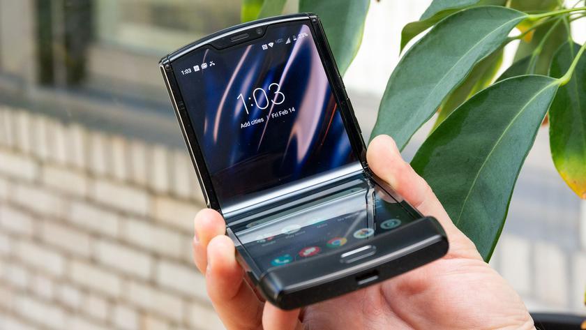 В сети появились новые фотографии «раскладушки» Motorola RAZR 2 (aka RAZR 2020)