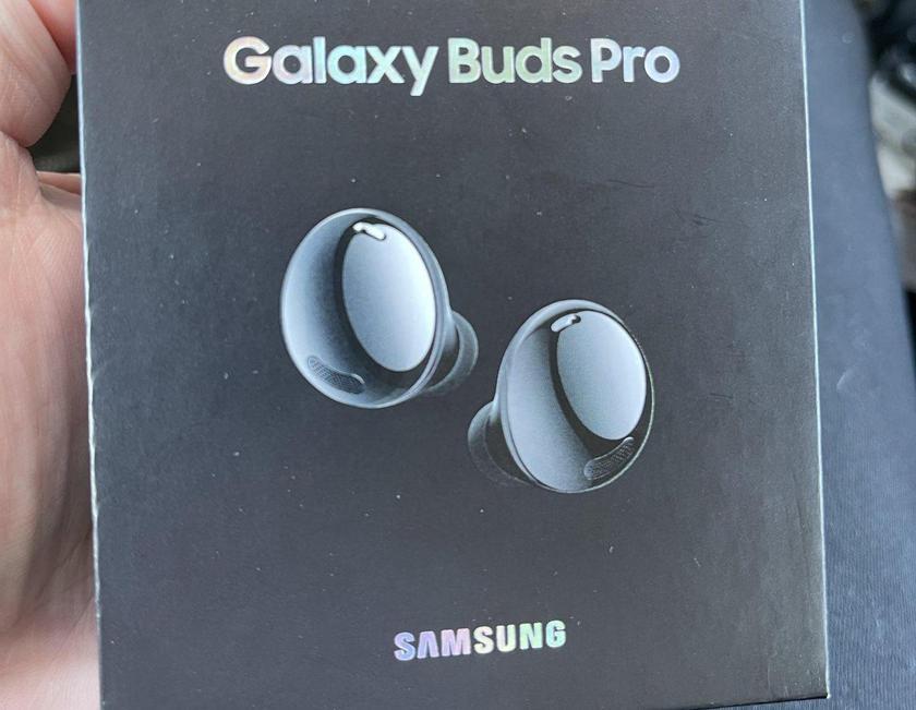 Наушники Samsung Galaxy Buds Pro на «живых» фото: овальная форма, шумоподавление и до 18 часов автономности