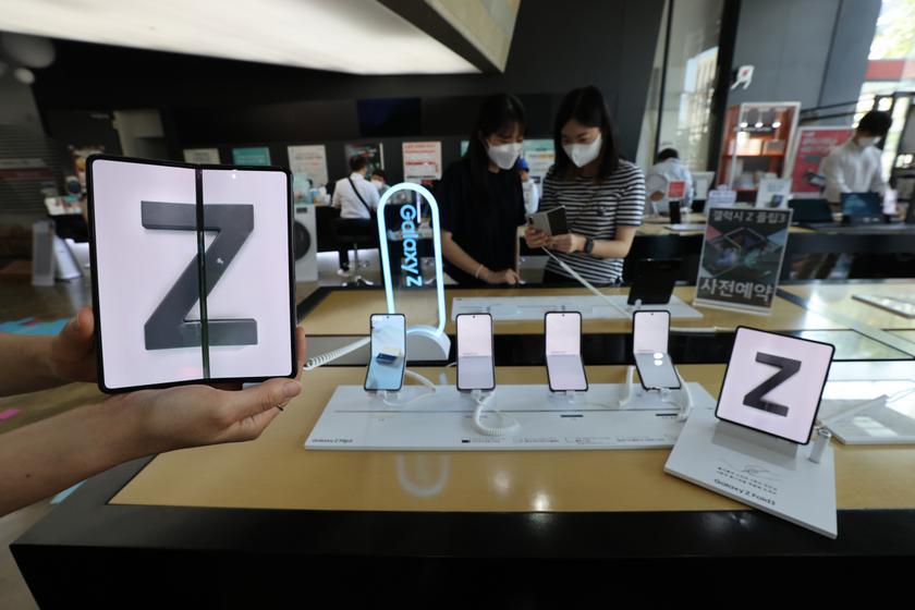 Такие же популярные, как Galaxy Note 10 и Galaxy S8: продажи складных Samsung Galaxy Z Fold 3 и Z Flip 3 достигли 1 миллиона