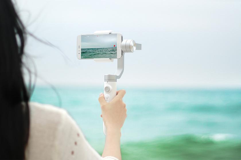 xiaomi-mijia-smartphone-handheld-gimbal-2.jpg