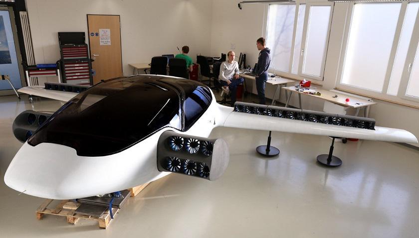В Германии прошли испытания электровертолета Lilium Jet с вертикальным взлетом и посадкой