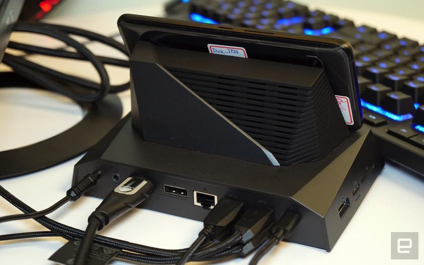 asus-rog-phone-computex-dock-2.jpg