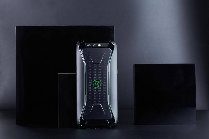 xiaomi-blackshark-released-gaming-photos-8.jpg