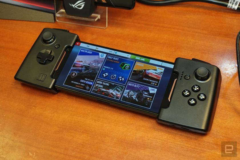 asus-rog-phone-computex-gamepad.jpg