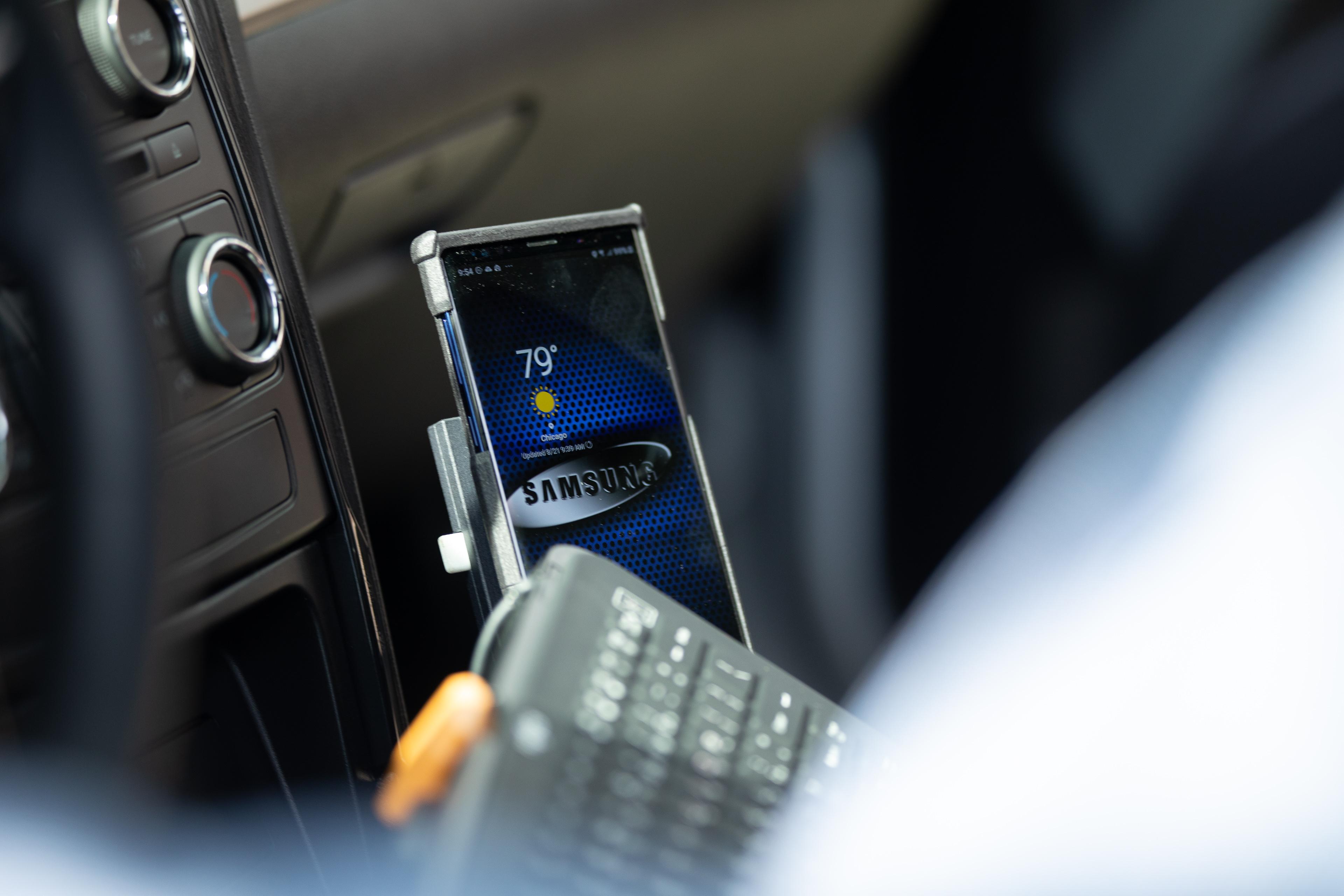 Полицейским из Чикаго выдадут смартфоны Samsung Galaxy