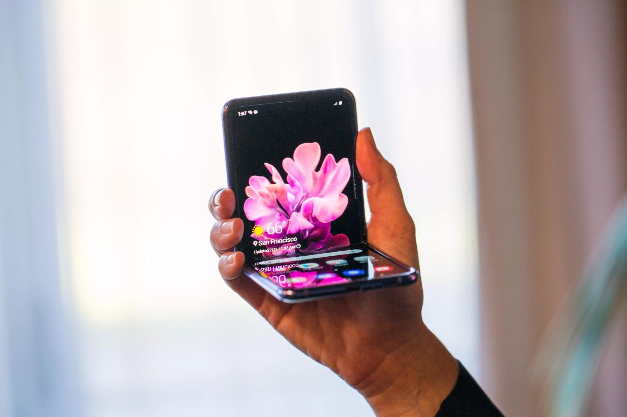 Никакого Galaxy Z Flip 2: следующая раскладушка Samsung с гибким дисплеем выйдет на рынок под названием Galaxy Z Flip 3