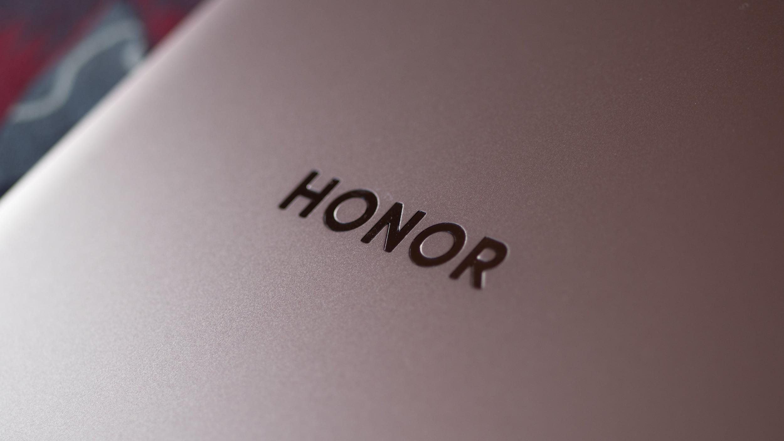 Конкурент Samsung Galaxy Z Flip 3 и Galaxy Z Fold 3: Honor готовит свой первый складной смартфон